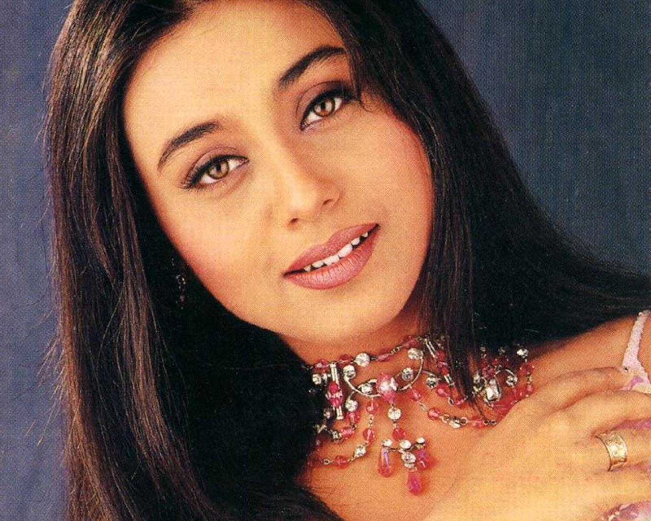 To download the Rani Mukerji - Picture Colection just Right Click on ...
