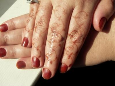 finger nails henna