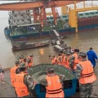 China Drowning Ship