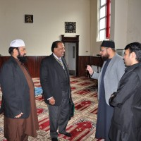 Lord Mayor Ch Abdul Rashid Visit Zia Ul Ummah Centre UK (1)