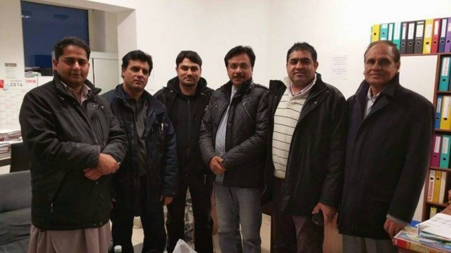 Shahid Mehmood With Friends