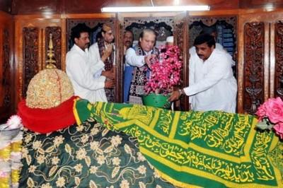 Prime Minister Nawaz Sharif at Bhit Shah