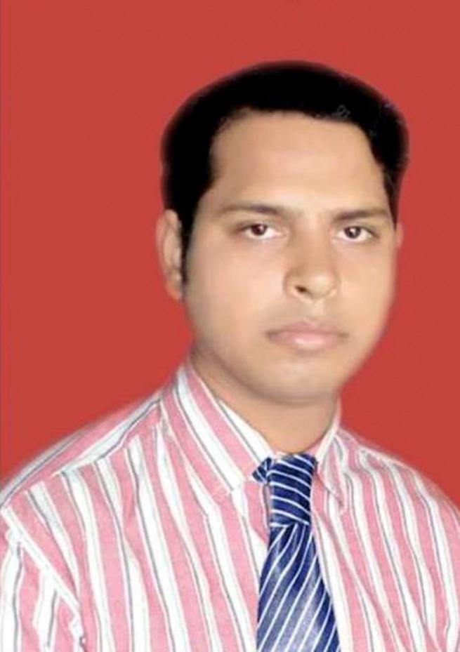 Dr Mansoor Khushtar