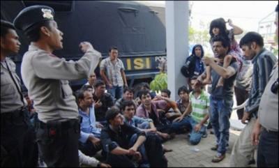 Indonesia Arrests Migrants