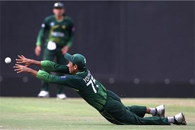 Younis Khan Fielding