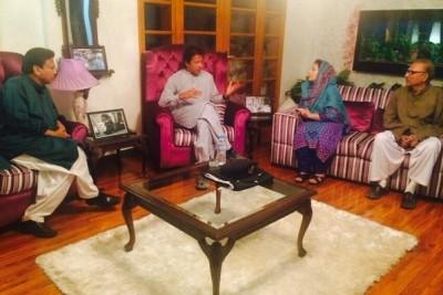 Imran Khan visits residence of Shaheed Marium Mukhtar