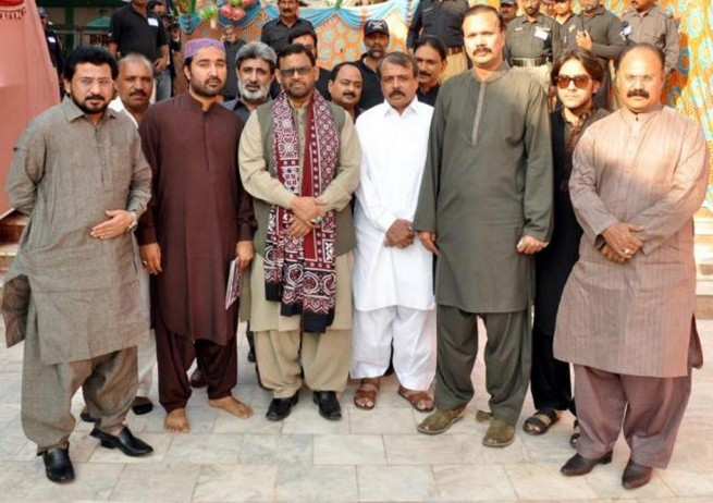 MQM Delegation Dargah Latif Attendance