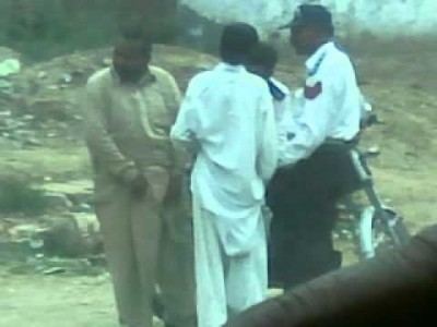 Pakistani Traffic Police (Taking Rishwat)