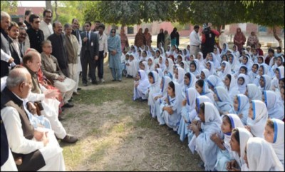 Prime Minister Visits Khanewal Girls High School
