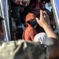 Women ISIS Clutches Escape