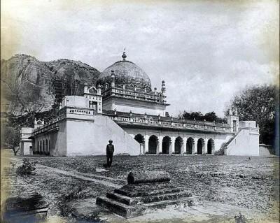 Gurramkonda-Maqbara Tomb