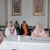Mehfil e Hussan Qirat o Naat For Women