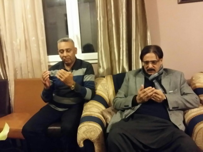 Offering Fateha Baber Mughal
