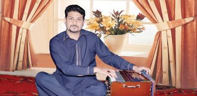 Singer Tahir Pervaiz Mehdi