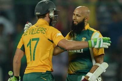 Hashim Amla and De Villiers