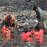 Karachi Drain Falling Baby Search