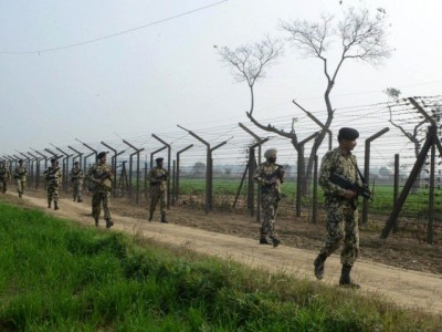 Pakistan, Indian Border