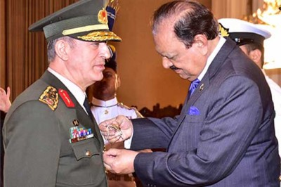 President Mamnoon and Turkish Armed Forces Chief