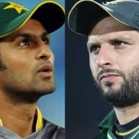 Shoaib Malik vs Shahid Afridi