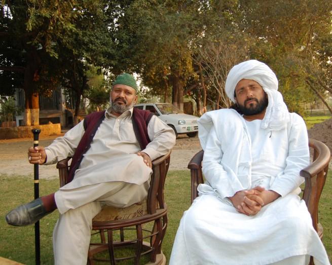 Pir Shabeeh ul Hasan with Bawa Qaiser Abbas Gajjan, Phalia