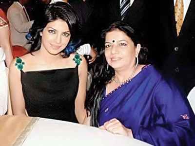 PRIYANKA CHOPRA WITH MOTHER