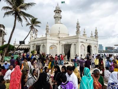Women Temple  Entrance