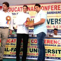 Mansoor Khushter Receive Award