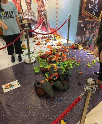 Lego broken,