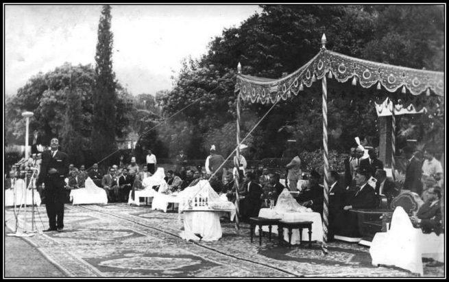 President-of-Pakistan-Field-Marshal-Ayyub-Khan-applauding-Musheer-Kazmi-at-Bagh-e-Jinnah-Lahore-1966
