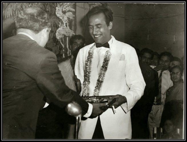 Musheer-Kazmi-being-decorated-in-1962