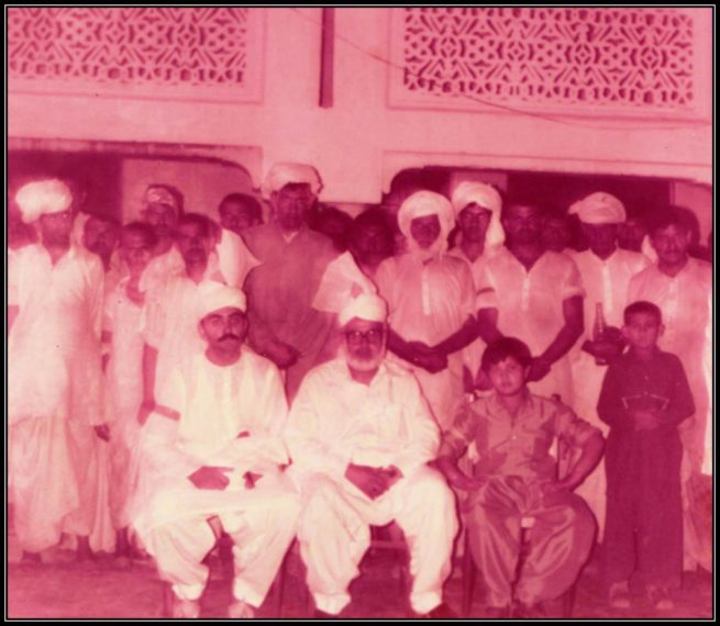 Pir Hadi Hussaen Shah sahib with his sons and disciples