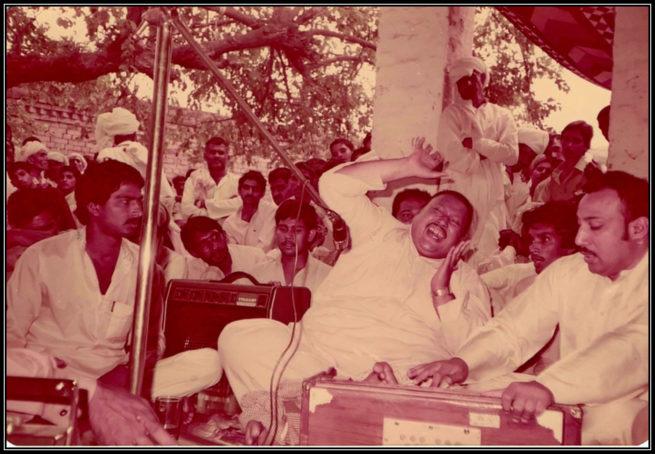 Qawwali Legend Nusrat Fateh Ali khan performing art at annual Urs