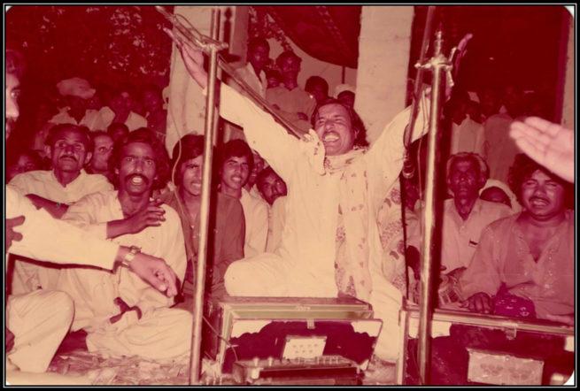 Afzal Sachiyari presenting his epic Kala Shah Kala at annual Urs