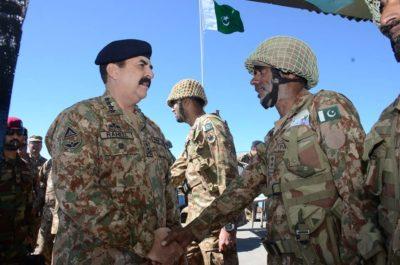 Raheel Sharif Meet Army Soldiers