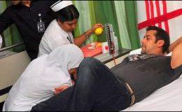 ممبئی دھماکے : سلمان خان کا متاثرین کیلئے خون کا عطیہ