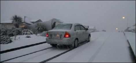 نیوزی لینڈ میں شدید برفباری سے نظام زندگی مفلوج