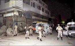 کراچی : مسکن چورنگی کے قریب اپارٹمنٹس سے دو مشتبہ افراد زیرحراست