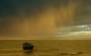 اتر چکے ہو سمندر میں حوصلہ رکھنا