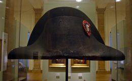 پیرس : نیپولین کی ٹوپی کو نیلام کرنیکی تیاریاں جاری
