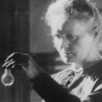 Marie Curie - Pioneering Scientist