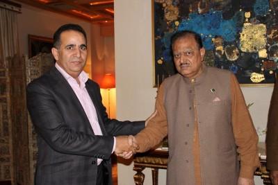Raja Manzoor Janjua with Mamnoon Hussain