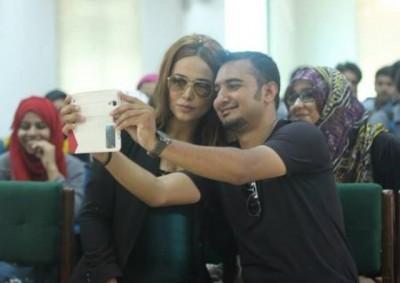 Ayaan Ali Selfie Selfie