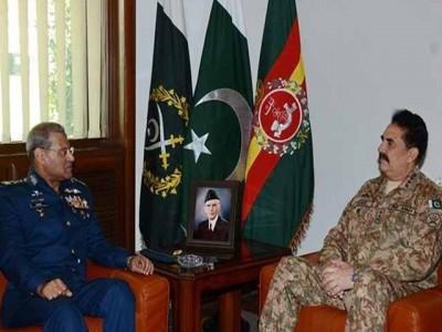 Raheel Sharif with Sohail  Aman