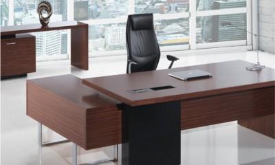 VIP Post Chair