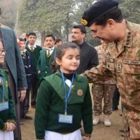 General Raheel Meet Children