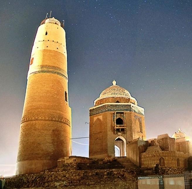 Masoomi Minar, Sukkur