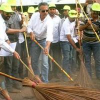 Waseem Akhtar-Clean Karachi Campaign