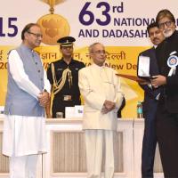 Amitabh Bachchan Receive Award