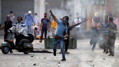 Kashmir People Protest