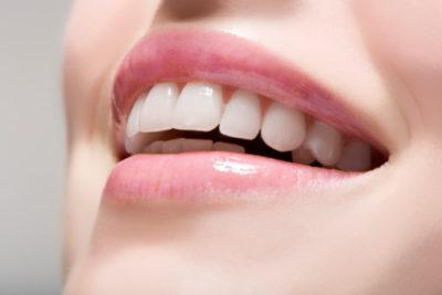Shiny white Teeth